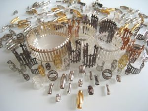 louvered contacts for sockets, pins and flat conntors such as busbars